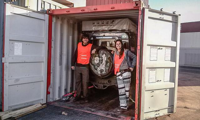 Da América Do Sul Para A Europa: Enviando O Carro De Navio