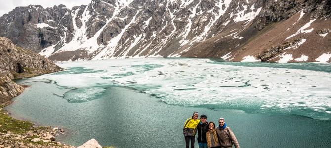 Nos Lagos Do Quirguistão Com Amigos Franceses